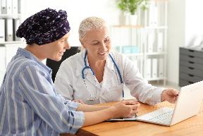 Cuál es el rol del médico internista en los efectos secundarios del tratamiento oncológico